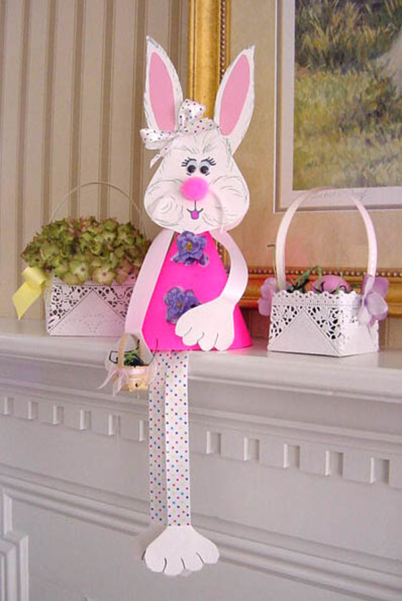 This is a beautiful Easter Bunny craft project that will give you a keepsake decoration to use year after year.  Isn't this bunny gorgeous?