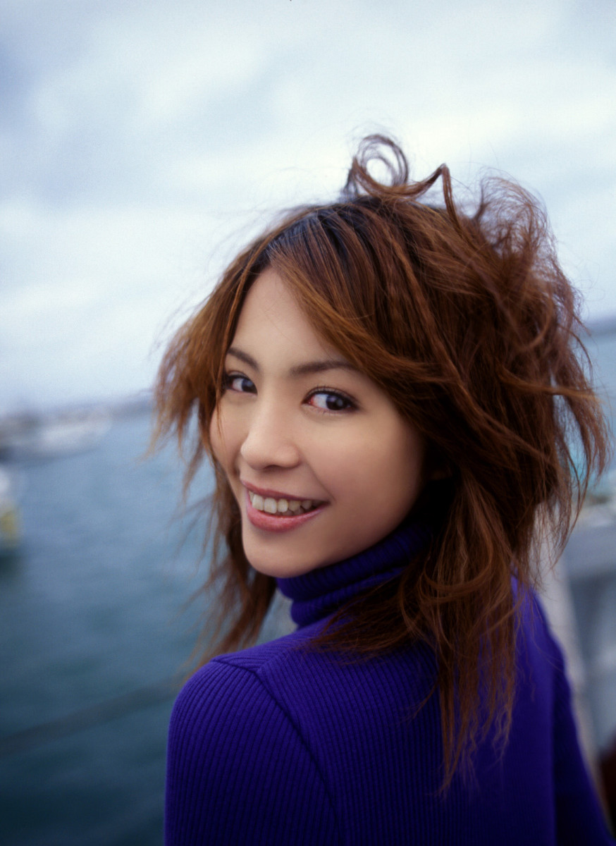 mayuko-iwasa-beautiful-bikini-model-and-movie-actress-from-tokyo-japan