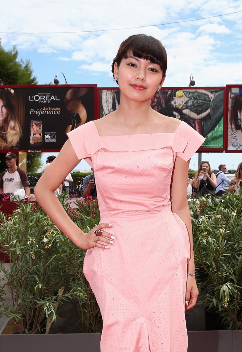 fumi-nikaido-award-winning-movie-actress-from-okinawa-japan