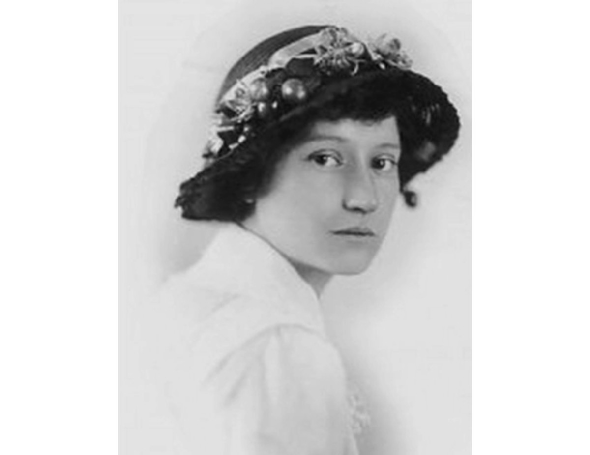 Here we show a vintage photograph of Ida Rentoul Outhwaite.