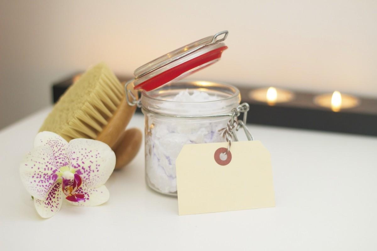 Elegant housewarming gift option