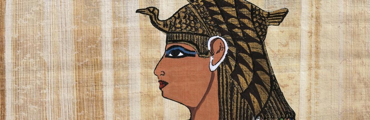 Cleopatra wearing Lapis Lazuli upon her eyes.