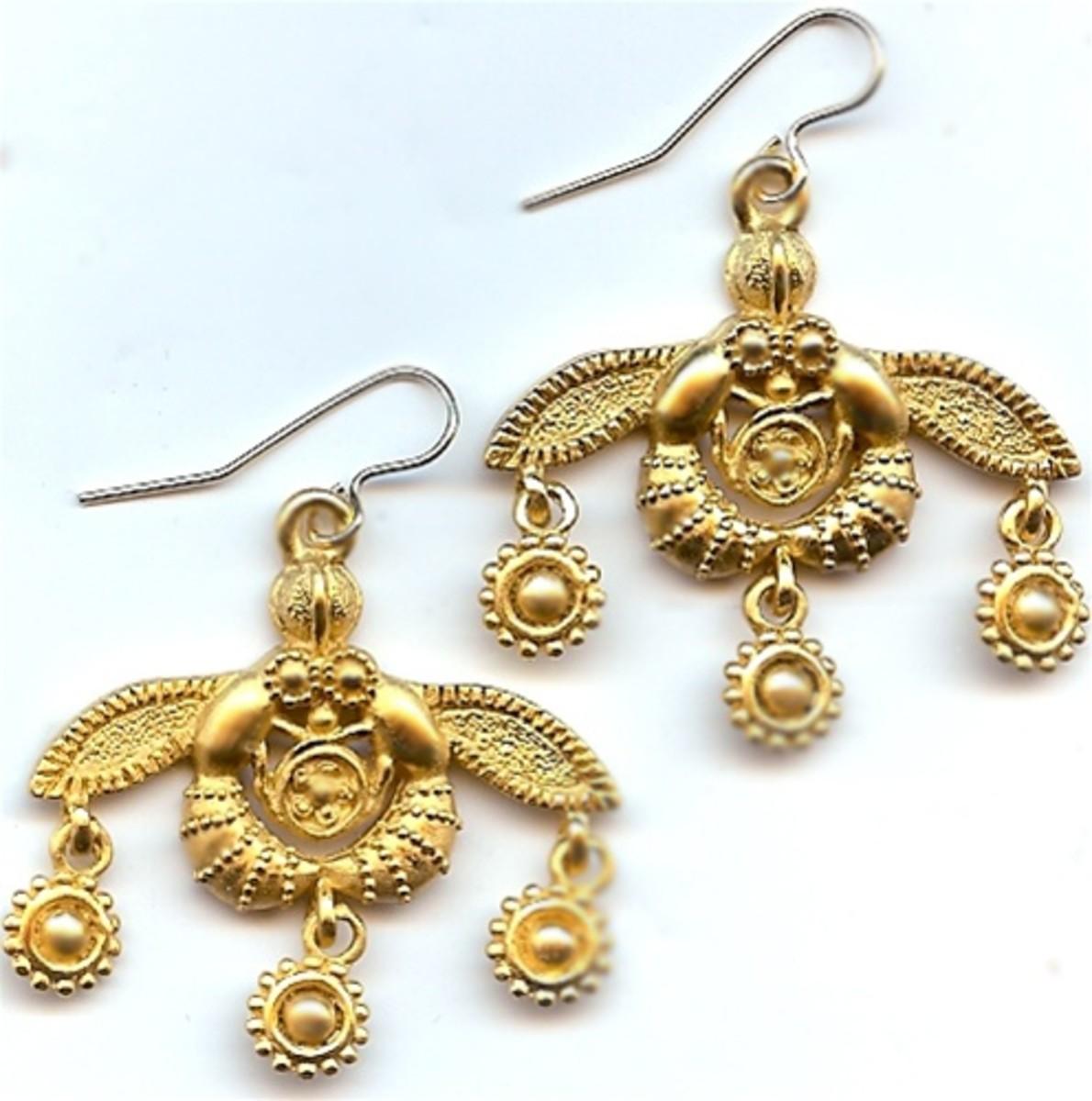 Greek Minoan Bees from Crete Wire Earrings