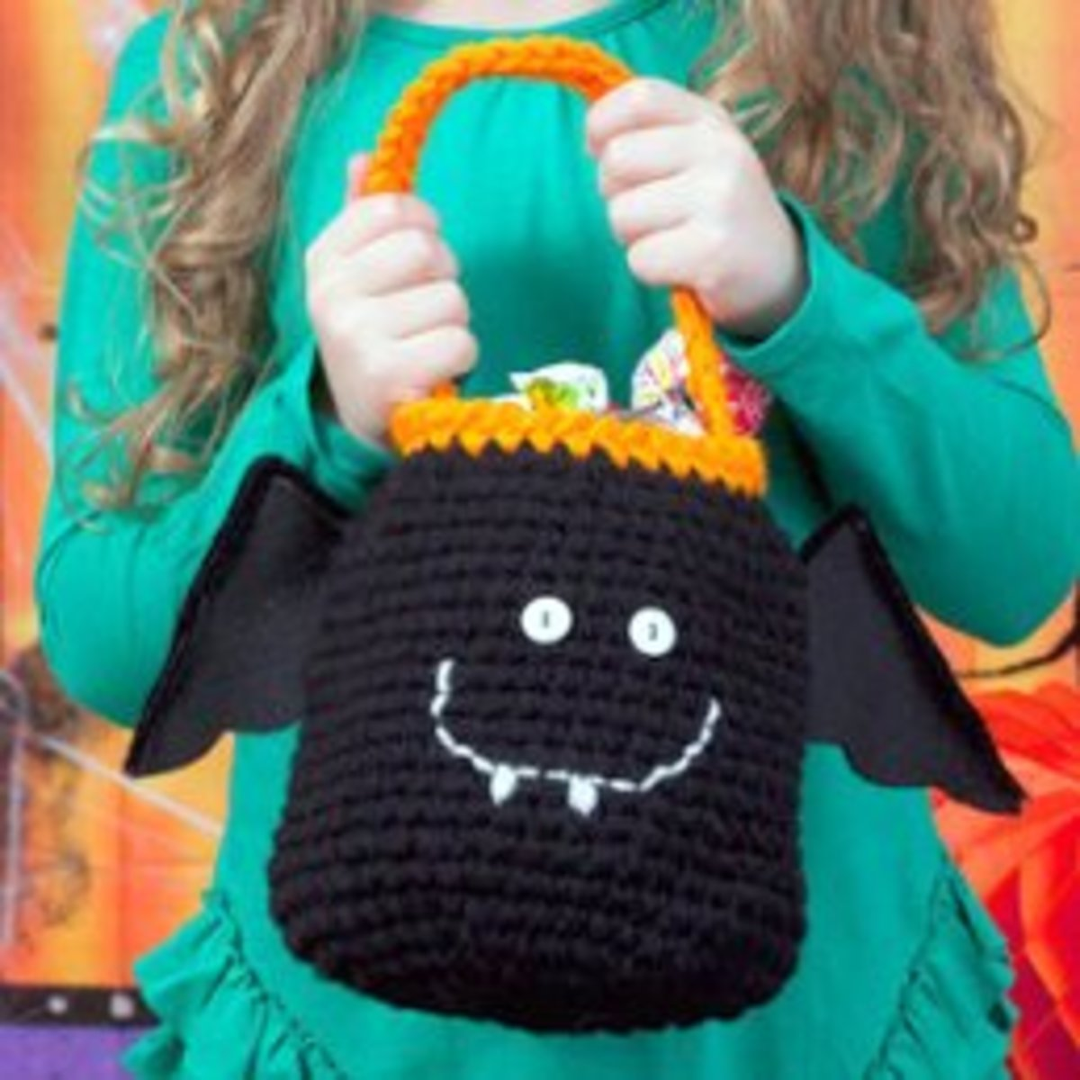 Free crochet pattern amigurumi Halloween bats.