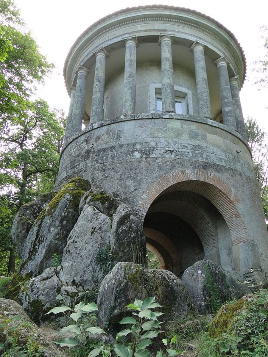 Folly in La Garenne Lemot, France