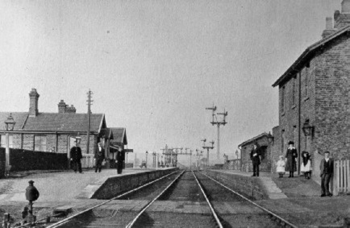 Battersby Jct. Station before installation of the footbridge to connect the island platform with the Up Picton Jct. platform