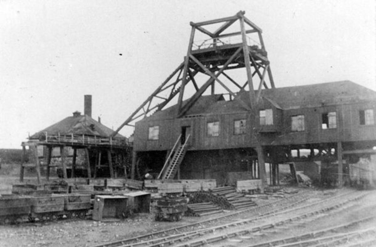Sheriff's Pit near Rosedale West Mines, seen here in 1911, still with around a decade-and-a-half of operating ahead