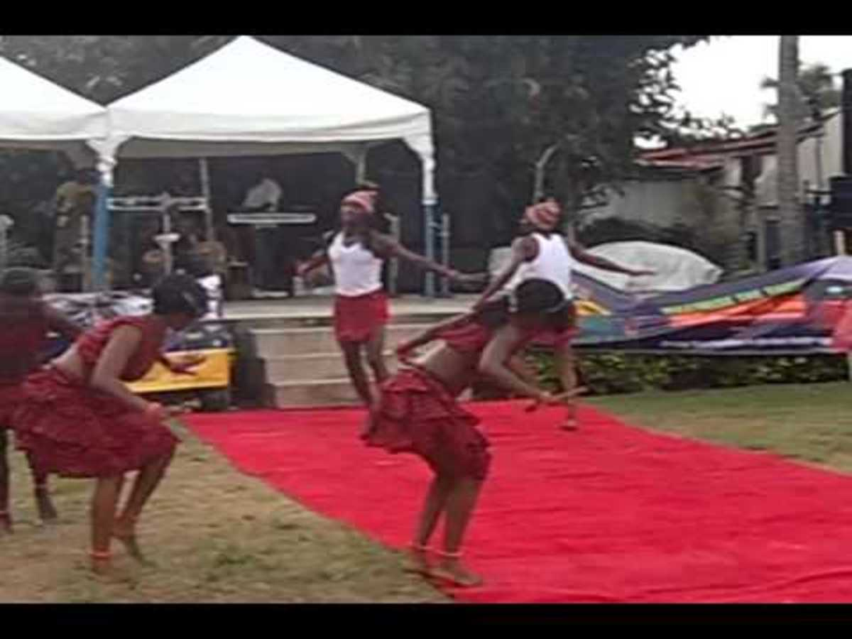 Young Igbo girls dancing