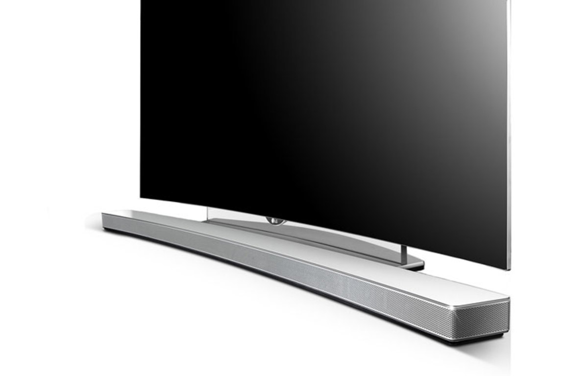 The LG LAS855M is a curved sound bar that features 4.1 channel audio and pumps out sound at 360 watts.