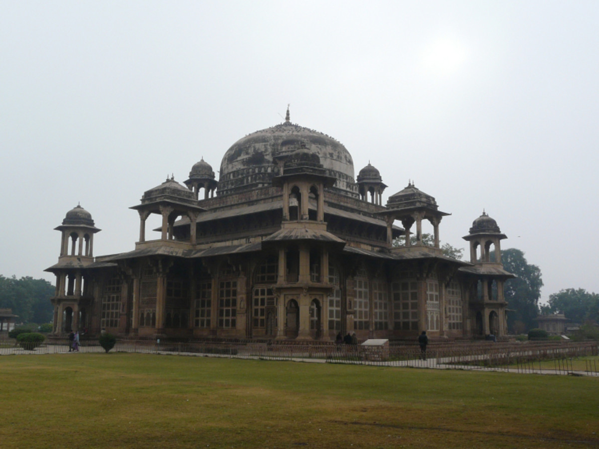 Saint, Muhammad Ghaus's Tomb, Gwalior
