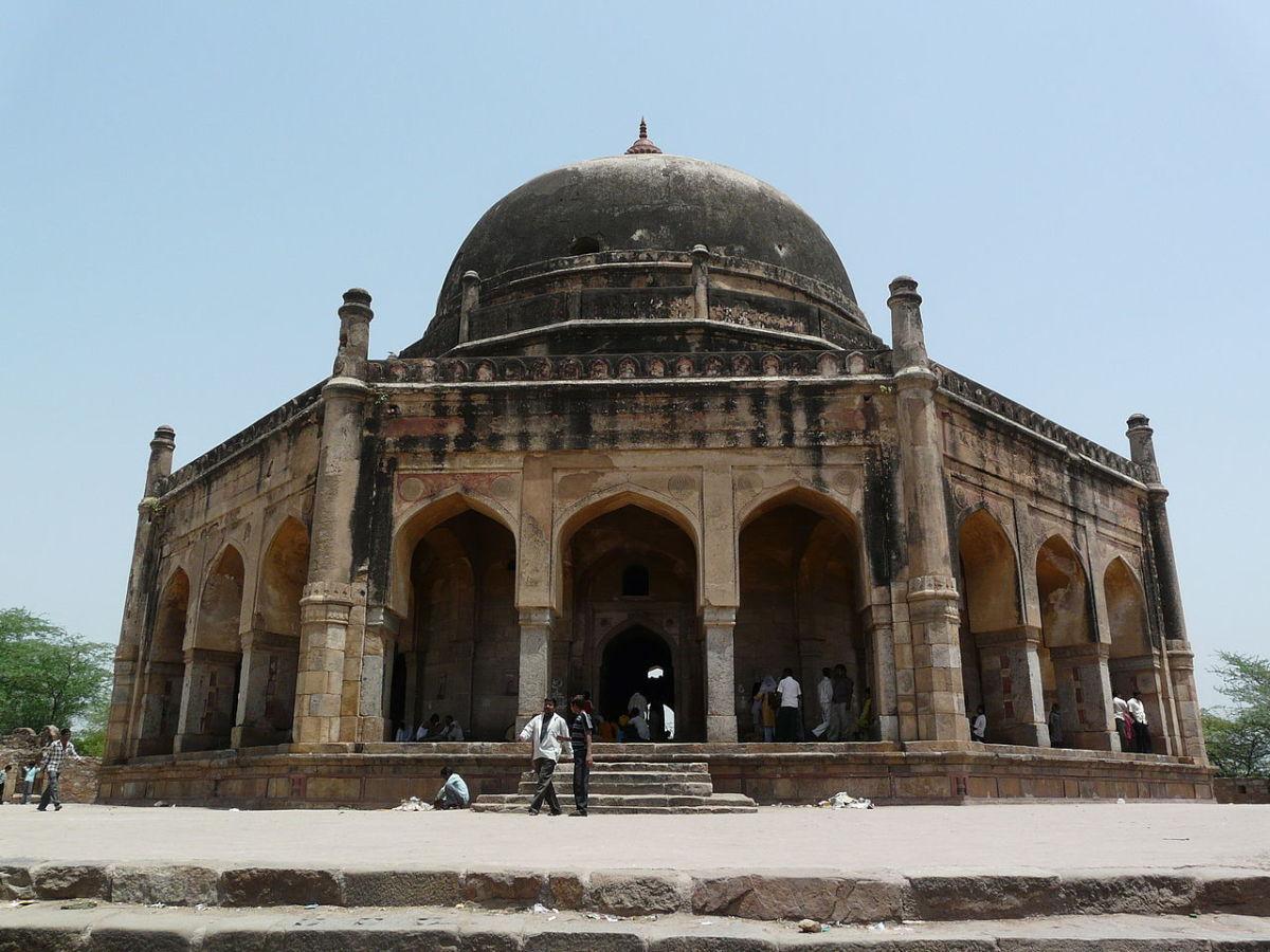 Adaham Khan's Tomb, Mehrauli