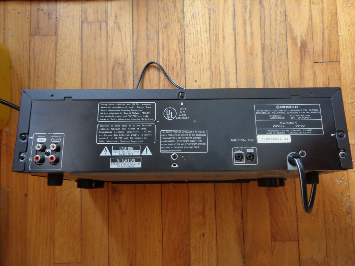 Back panel view of the Pioneer CT-W404R