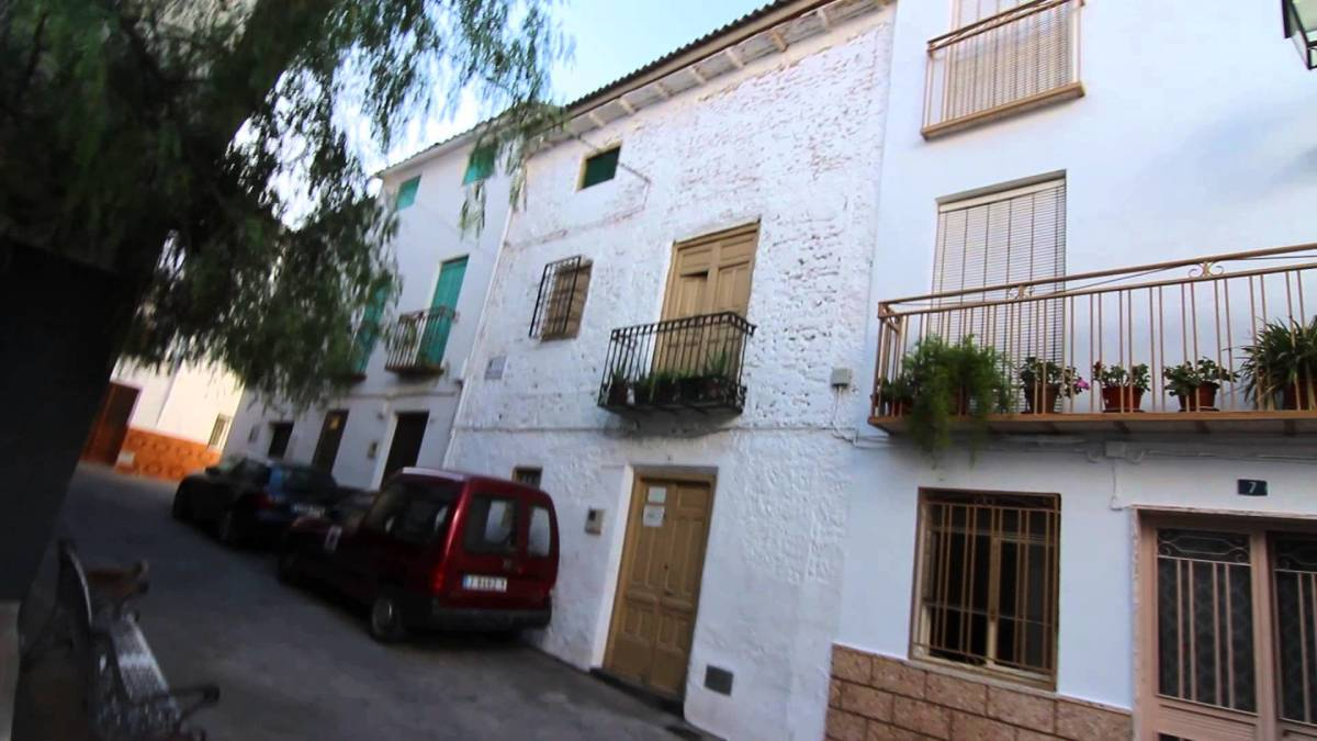 House of the famous Faces of Belmez / calle real 5 belmez de la moraleda