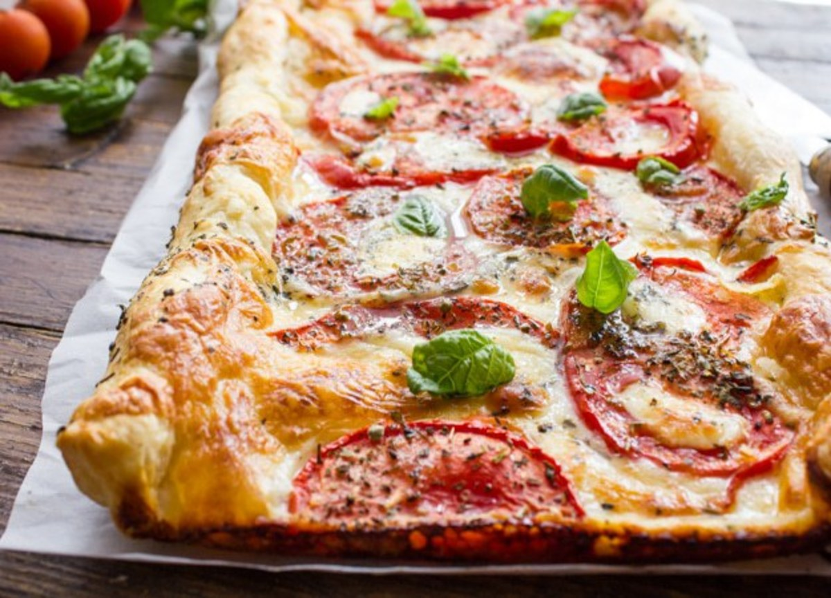 Easy Italian Fresh Tomato Cheese Pie