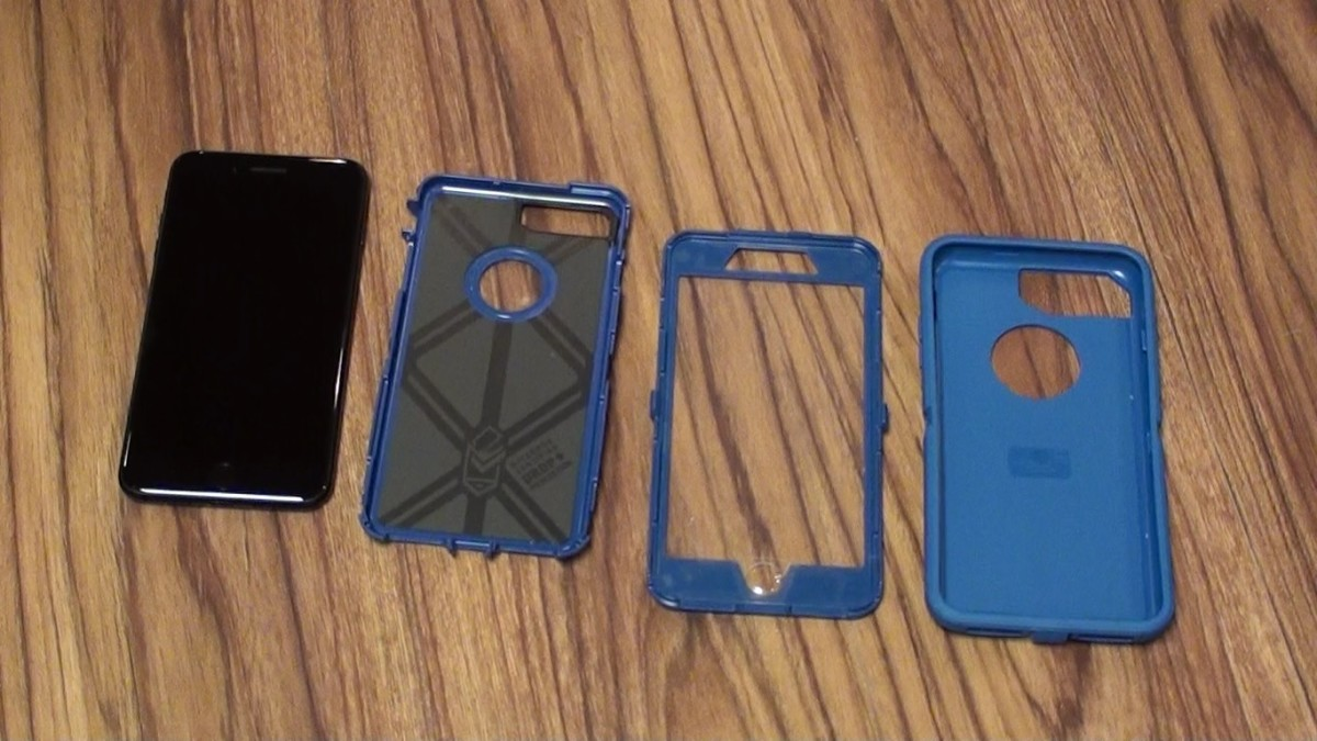 sports shoes 0c668 8fc9c How to Put On and Remove OtterBox Defender from iPhone 7 and iPhone ...
