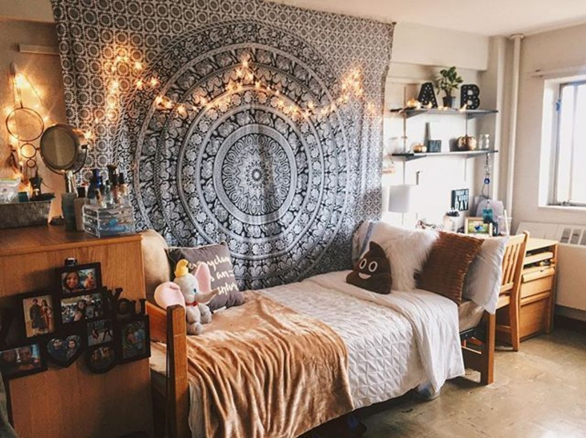20 Unique Things Every Dorm Room Needs for All College Students