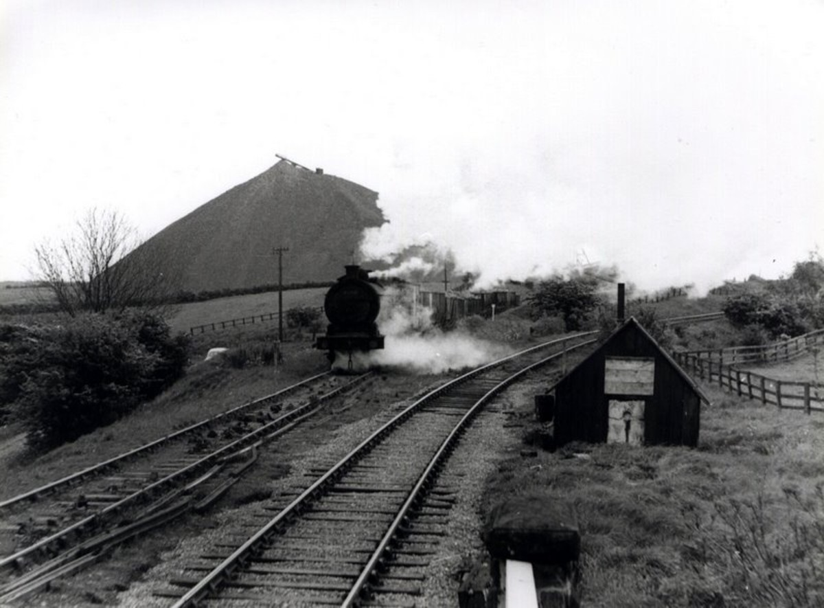 Another unidentified Q6 hammers the rails out of Kilton Mine past the well-known conical slag heap (seen even from Saltburn)
