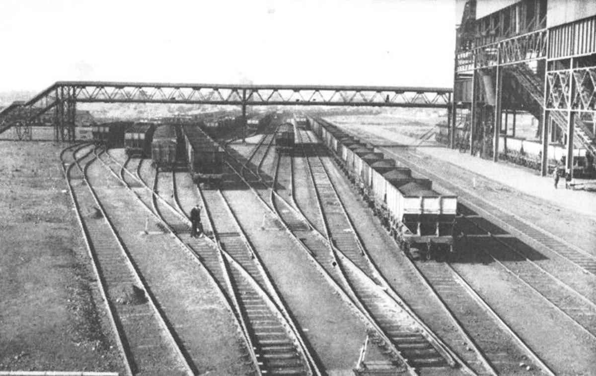 Clay Lane Sidings alongside the newly opened Lackenby Works east of Grangetown towards Redcar. The works was opened up by Dorman Long in response to increased demand in the mid-1950s