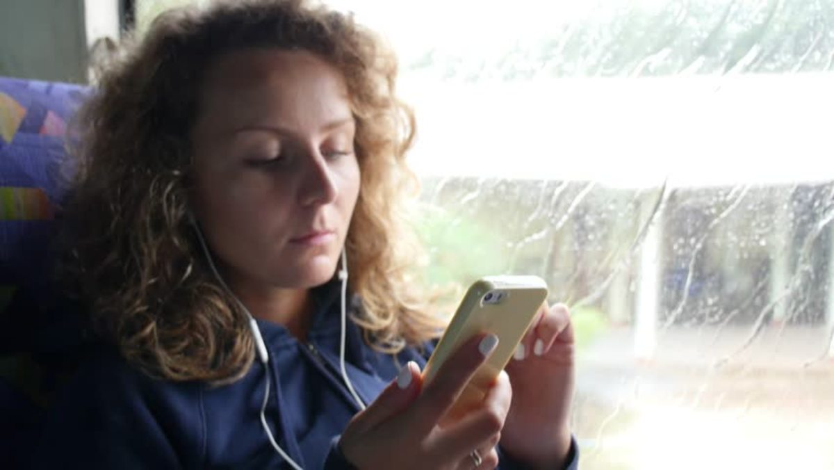 is-the-greyhound-bus-safe-for-women-traveling-alone
