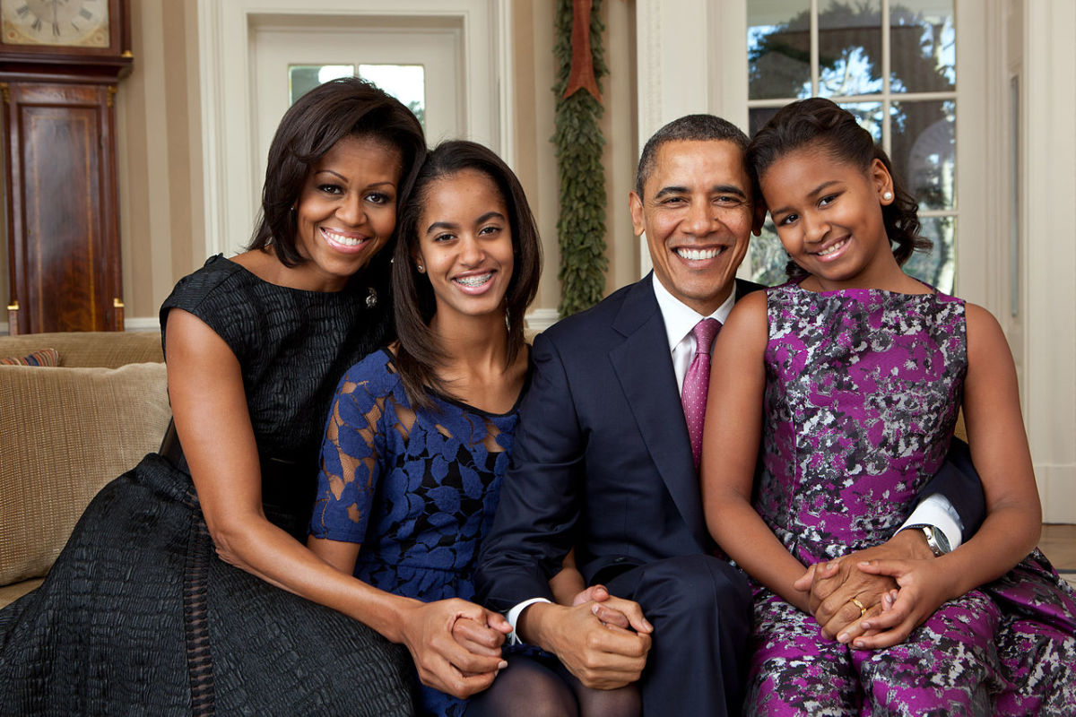 U.S. First Family in 2011 (left to Right): Michelle Obama, Malia Obama, Barack Obama, and Sasha Obama.