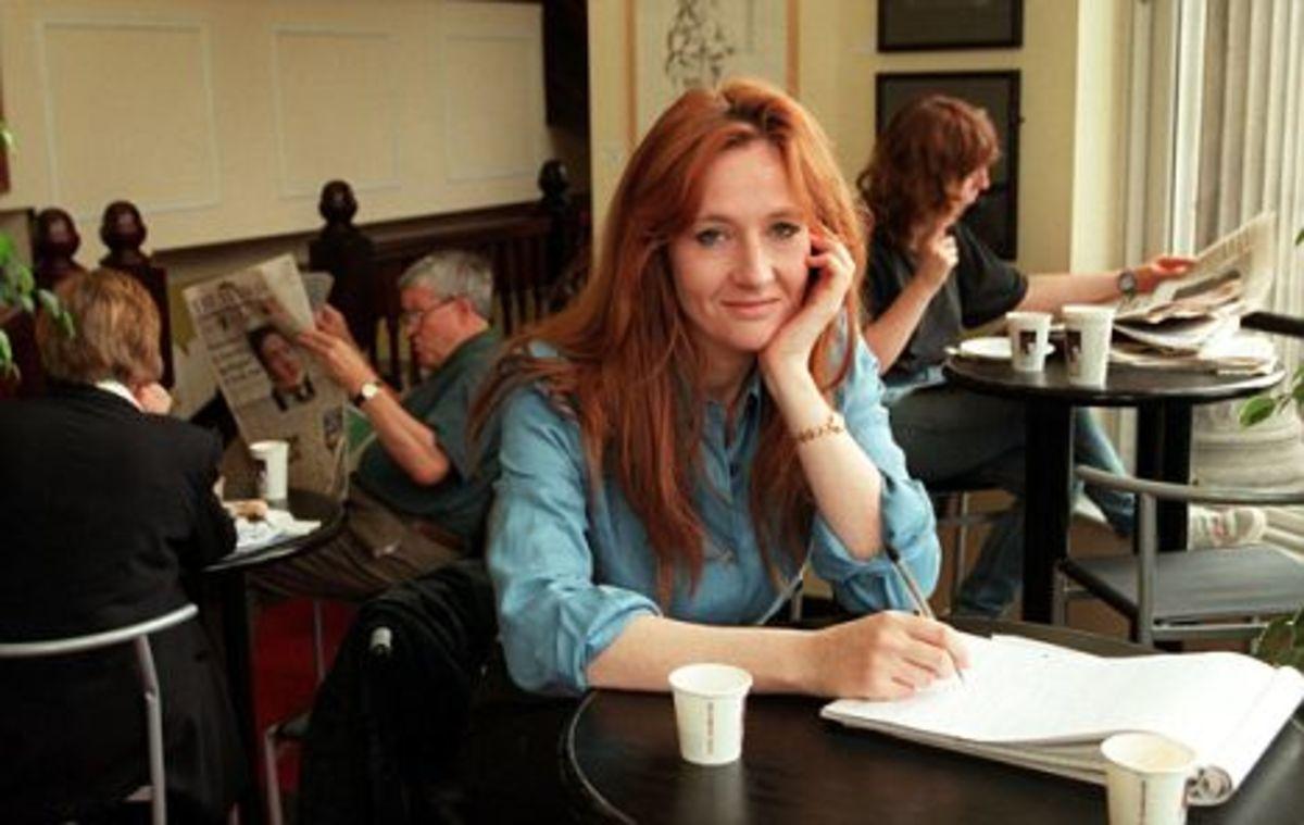 J.K. Rowling at coffee shop