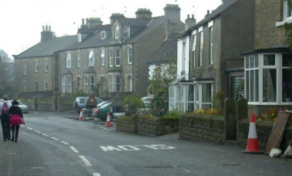 As seen in one of my TRAVEL NORTH pages, this is the High Street in Cotherstone... the white fronted cottage with bay window was Hannah's after she sold Low Birk Hatt
