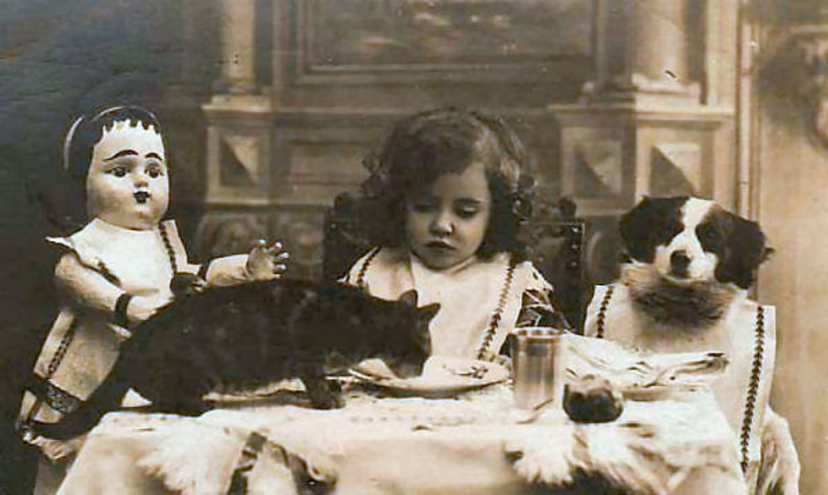 I adored playing at tea when I was a child...and still do, in a grown-up sort of way. How would you like to join these girls?
