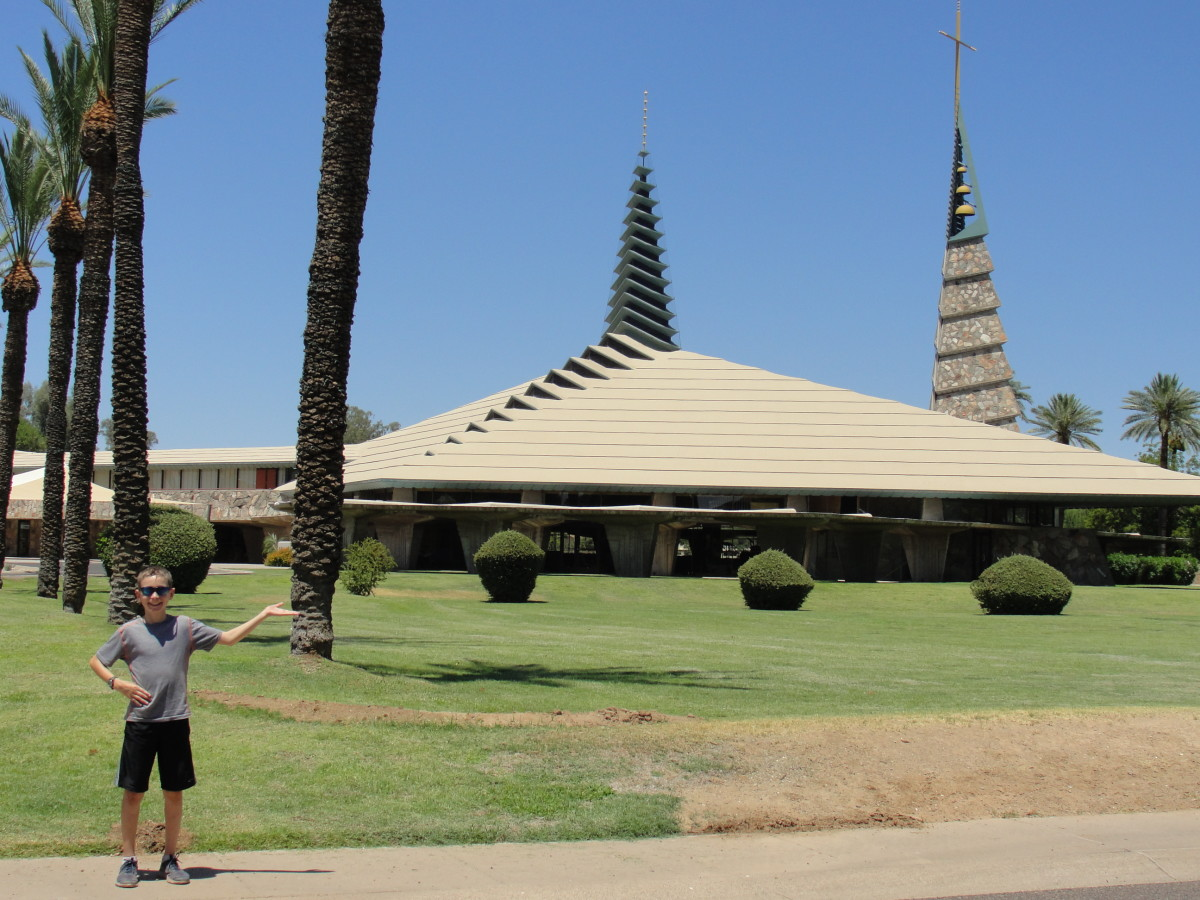 We passed by a church designed by Frank Lloyd Wright, so we took the opportunity for a quick photo op and architecture lesson.