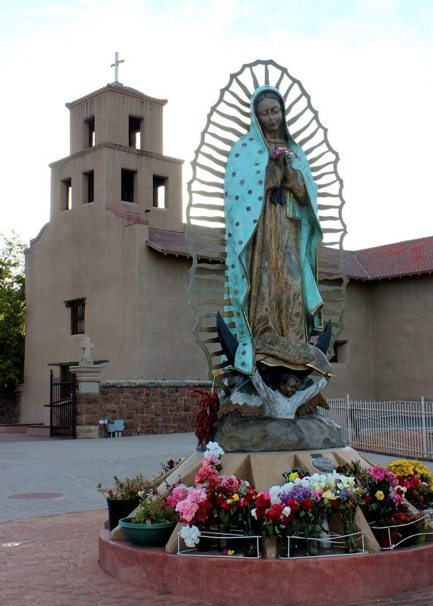On our way out of town we drove by the Statuario de Guadalupe, which was created in 1776. One of my daughters said it was most fascinating item she'd seen in Santa Fe.