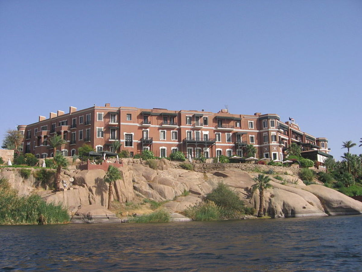 Old Cataract Hotel from the Nile.