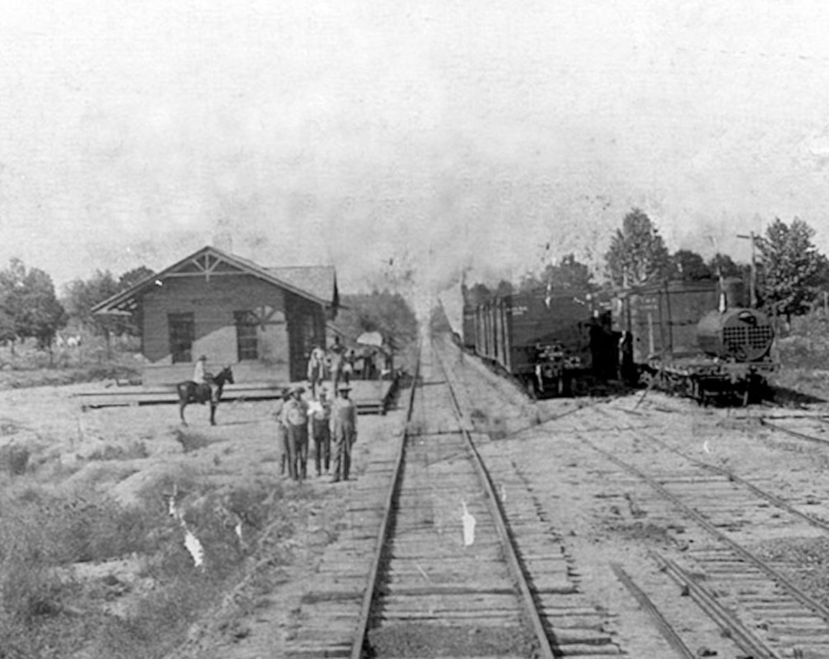 Depot at New Houlka in early 1900s