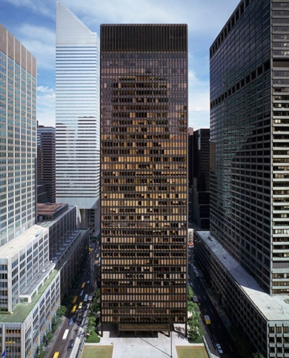 Seagram Building, New York, the ultimate International-Style office tower--too bad all modern architecture is not of this caliber!
