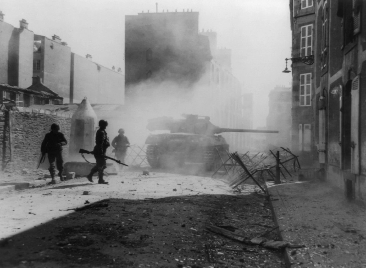 M18 Hellcat of the 824th Tank Destroyer Battalion in action at Wiesloch, Germany, April 1945.