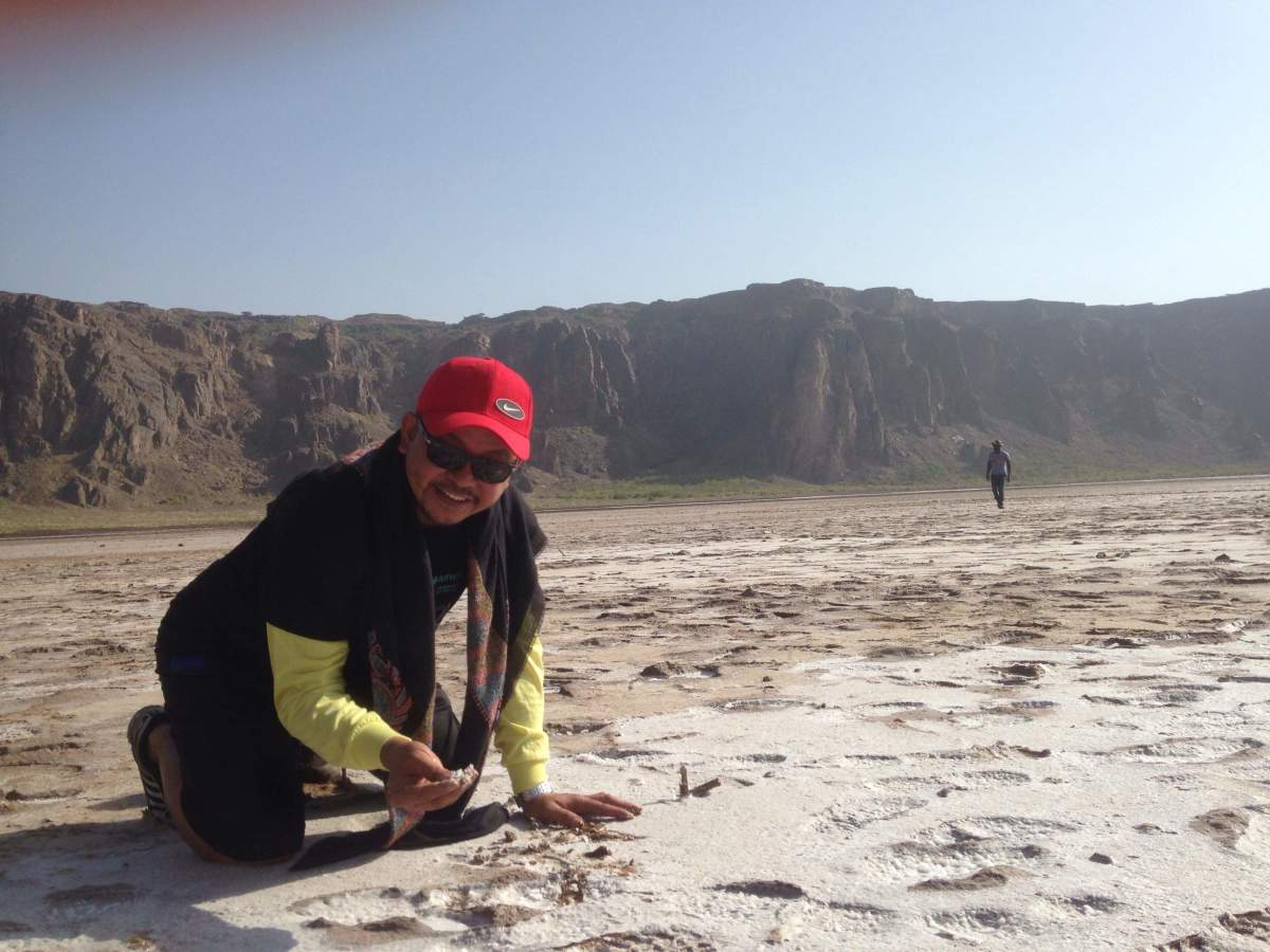 Touching, tasting the salt at Al Wahba Crater