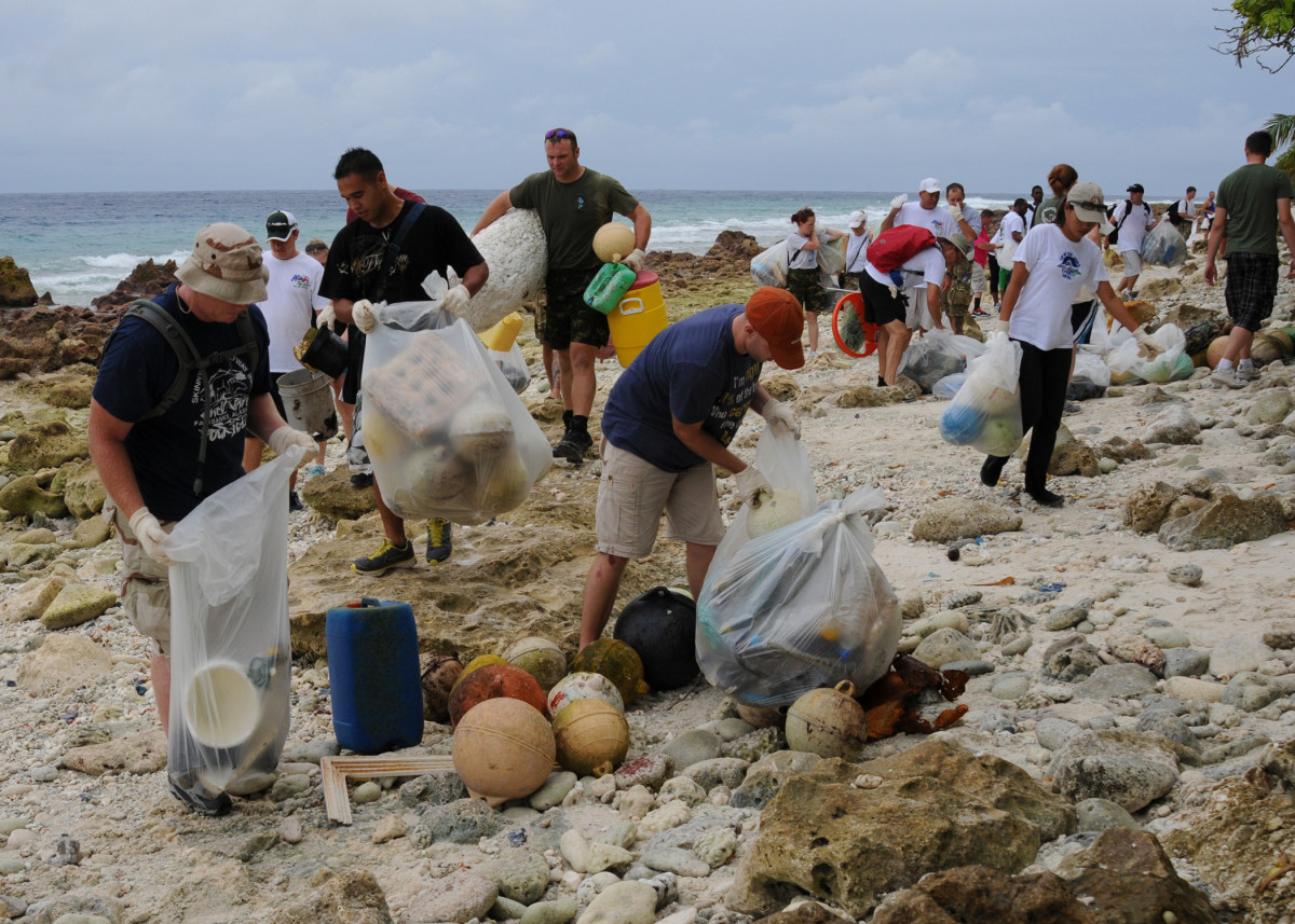 Local beach cleanups get people together, help nature and raise awareness