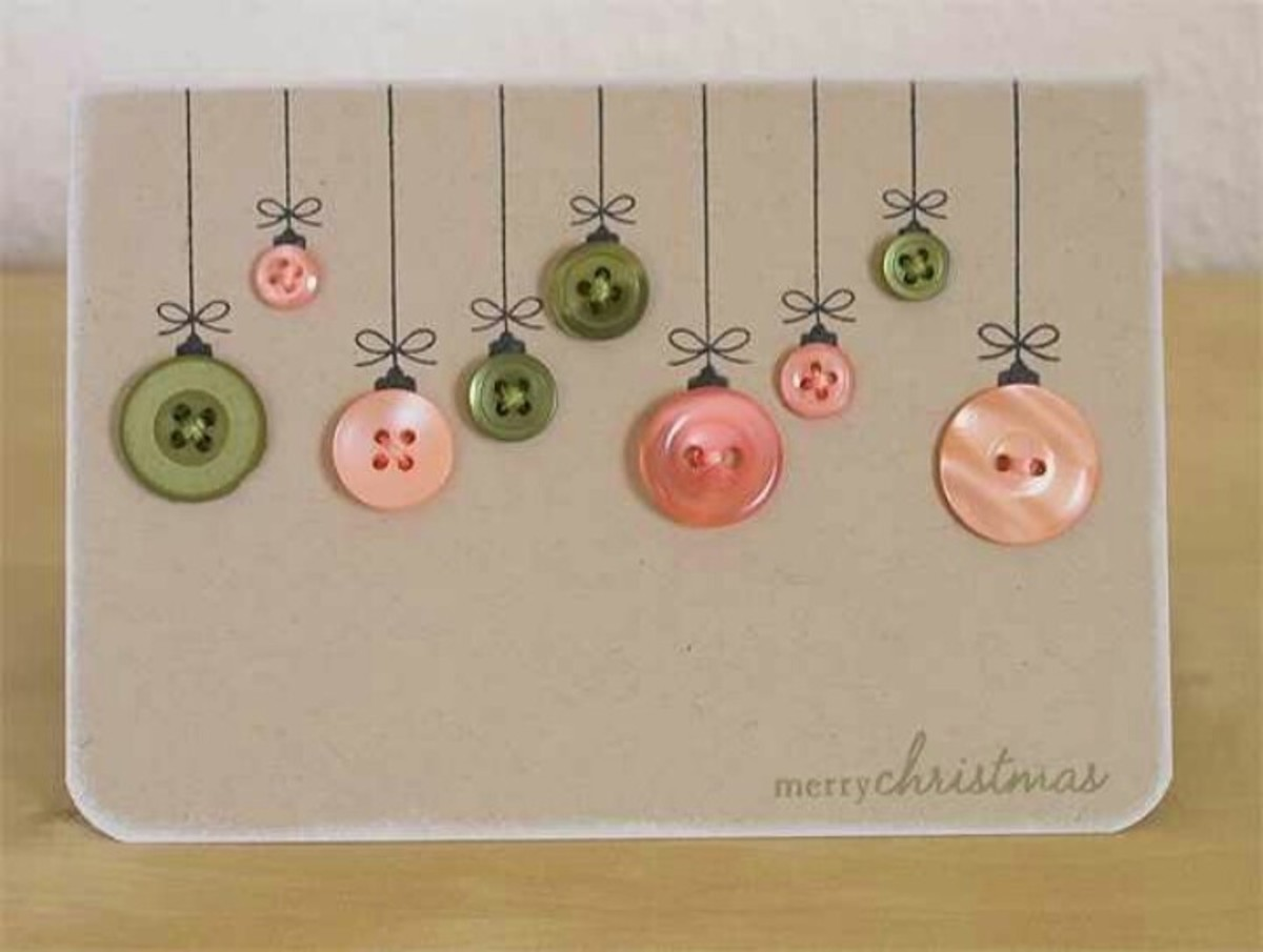 Buttons are very pretty on a Christmas card as ornaments