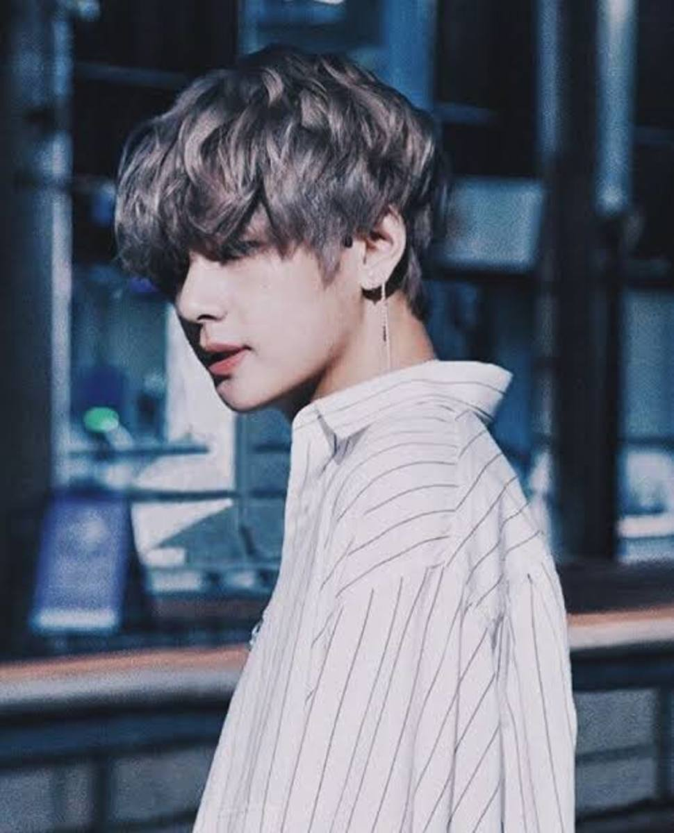 bts-v-and-his-4d-personality