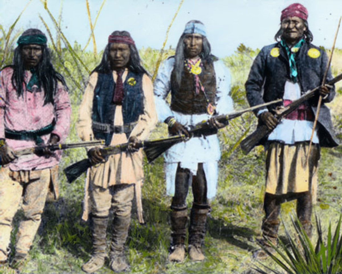 Colorized photo of Apache Indians (Geronimo right)
