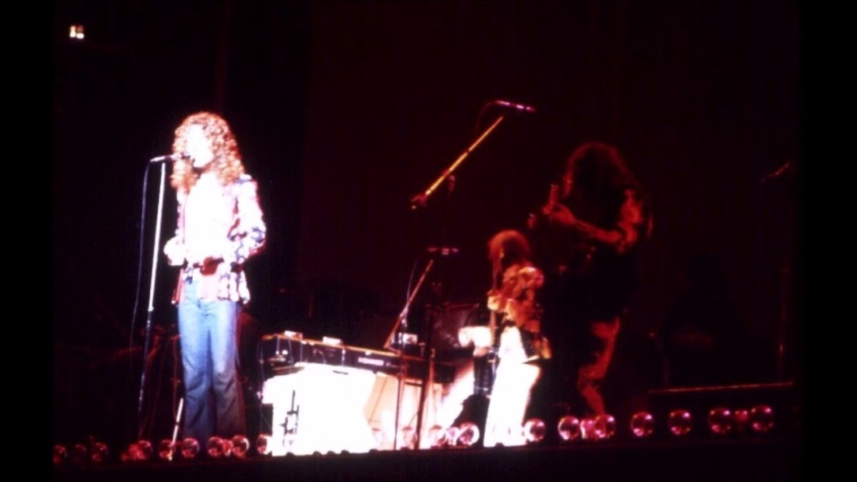 Led Zeppelin playing Tangerine at Earl's Court on the 18th of May 1975