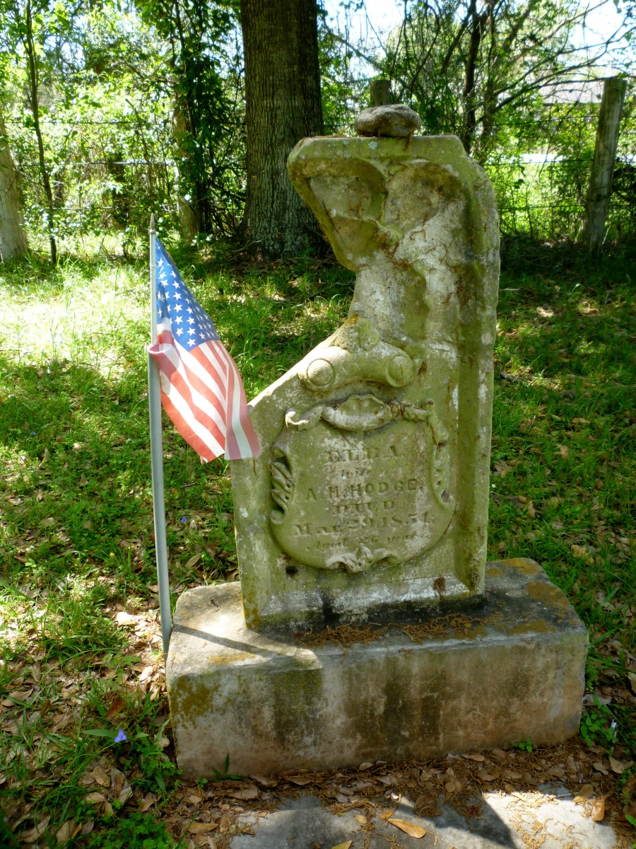 One of the grave markers in Hodge's Bend Cemetery