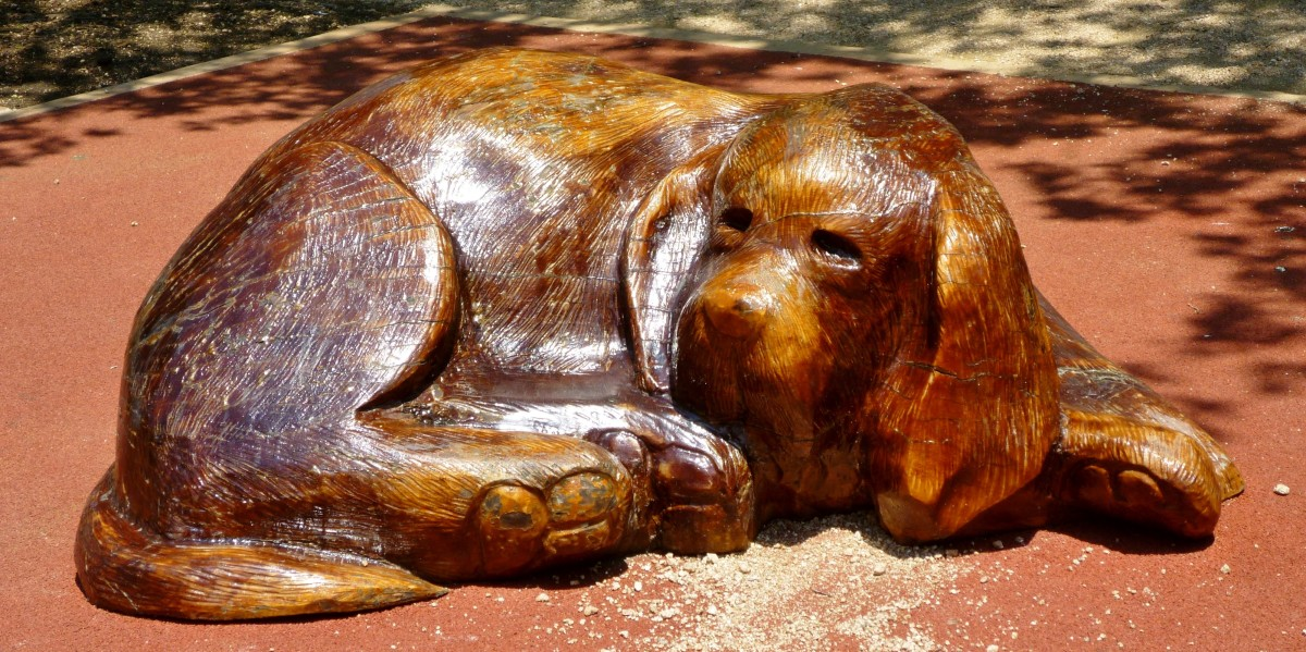 Sculpture outside of the dog park in Market Square Park