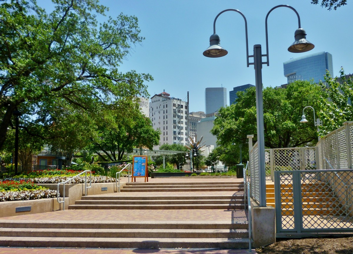Market Square Park view from street