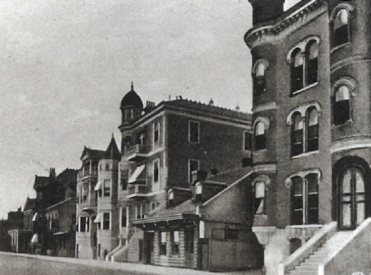 The Arlington is 3rd from the bottom with the cupola. Anderson's is the end of the block with the pilars.