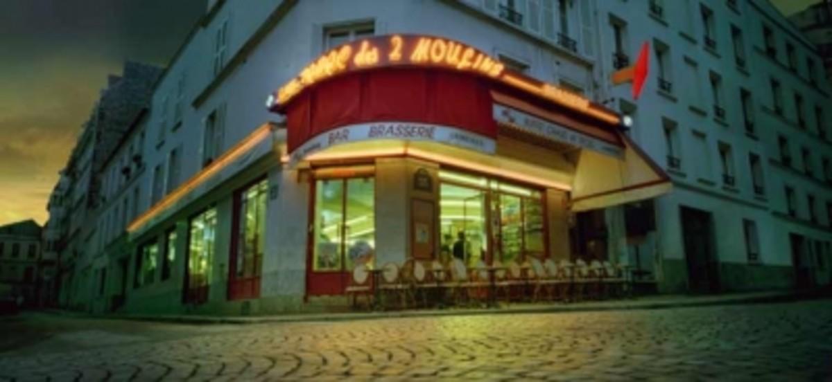 Café les Deux Moulins, Montmartre, Paris