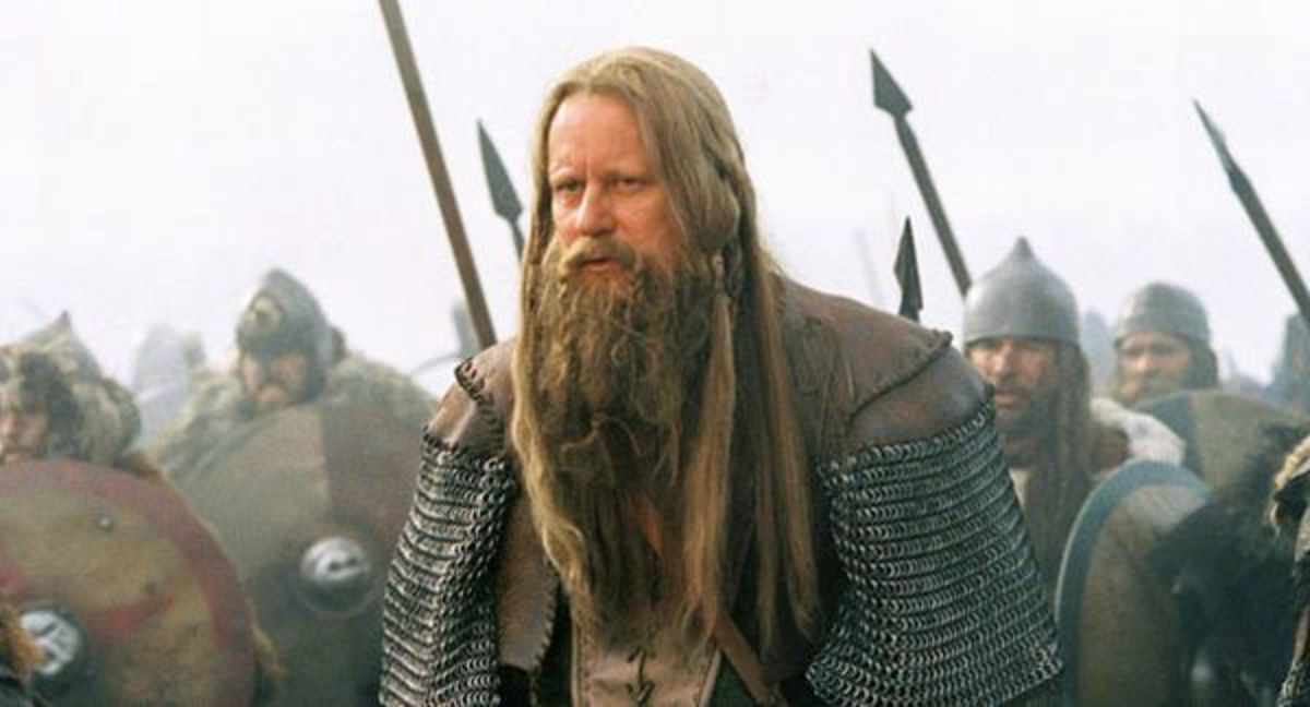 Stellan Skarsgard as the Saxon Earl, Cerdic, in the film, King Arthur