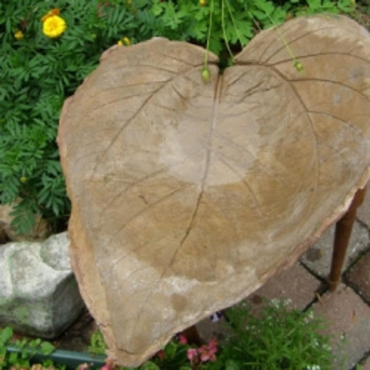 garden-crafts-birdbath