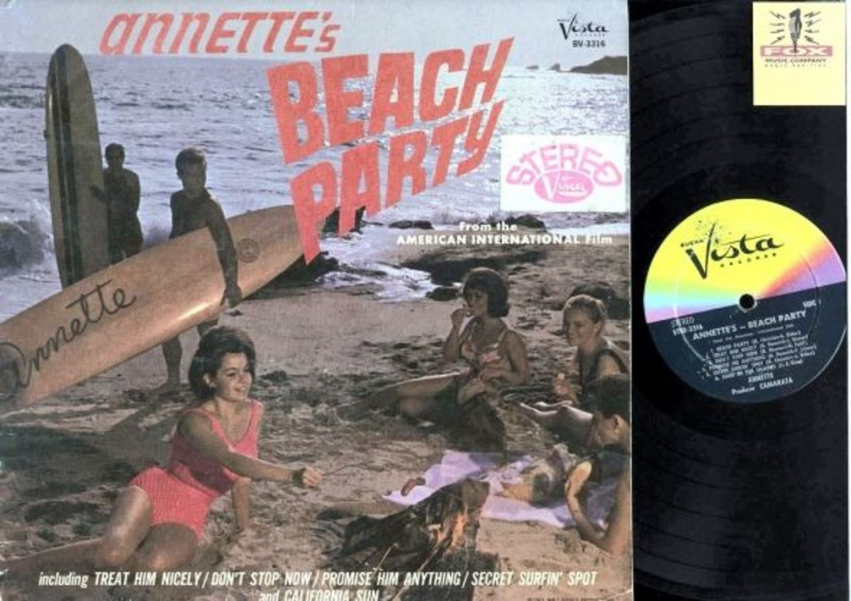 "Annette Funicello ""Annette's Beach Party"" Beuna Vista Records STER 3316 12"" LP Vinyl Record (1963) US Pressing"