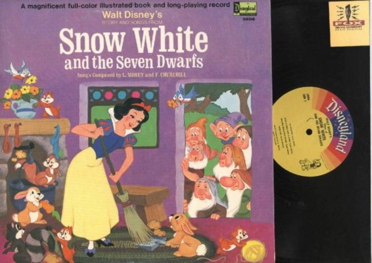 "Walt Disney's ""Snow White and the Seven Dwarfs"" Disneyland Records Storyteller ST-3906 12"" LP Vinyl Record (1969) Gatefold Cover w/ Illustrated Book"
