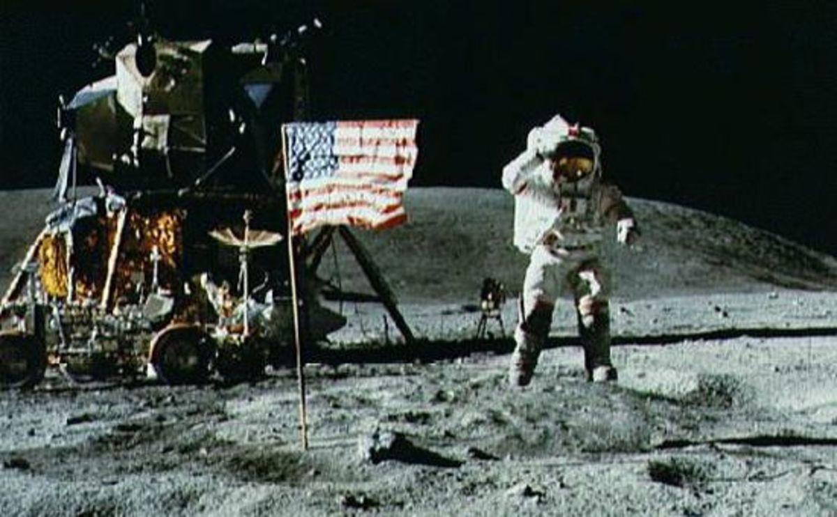 strange-things-on-the-moon