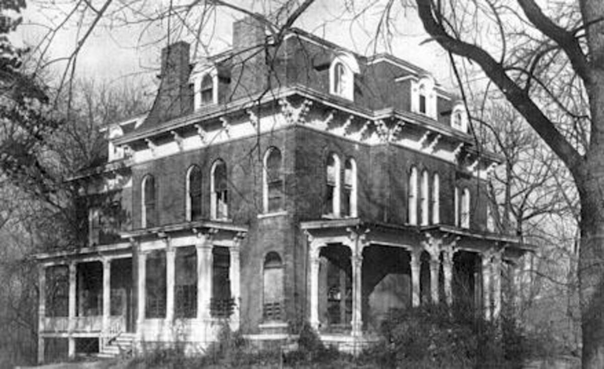 The Haunted  McPike House In Alton Illinois